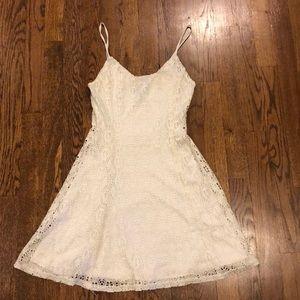 👗Aqua brand by Bloomingdales white lace minidress